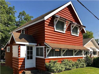 Graham Lodge: Classic Grand Bend Cottage!