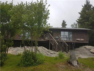 ***Cozy Waterfront Retreat In The Heart Of Georgian Bay***