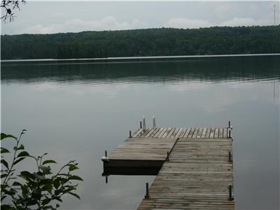 COZY 2 BR COTTAGE ON A BEAUTIFUL LAKE NEAR BARRY'S BAY