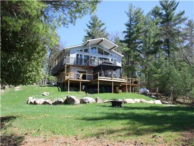 CLE's Lakefront Cottage for rent on Hurd's Lake Renfrew/Calabogie