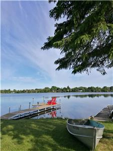 Fabulous Water Front 5 bedrm Cottage in Kawartha Lakes (430ft deep site &big Dock,AC&WiFi&fireplace)