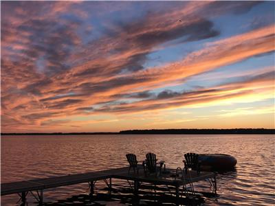 Sturgeon Lake Waterfront Cottage with Stunning Views .. Plenty of Watersports and Family Activities