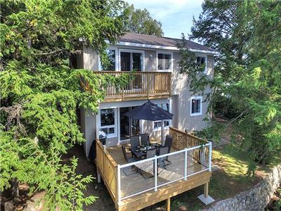 RidgeStone Executive Cottage/Lake house **Haliburton**