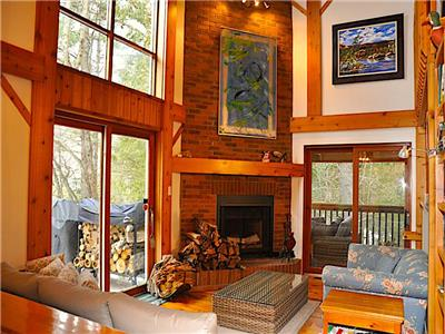 Relaxing private cottage with large screened porch