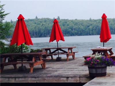 Camp's Bay Cottages, Big Gull Lake, Southeastern Ontario, Lakefront, fishing, vacation cottages