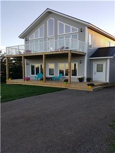 SeaGlass on Wild Rose - only 400' to Thunder Cove Beach - New in 2018 - 4 Bedroom 2 Bath - Sleeps 11