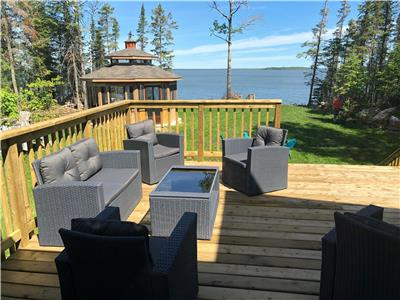Hecla Island Lakefront Cottage