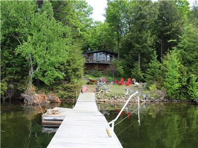 Enchanting 3 bedroom cottage with bunkie on stunning Kennisis Lake