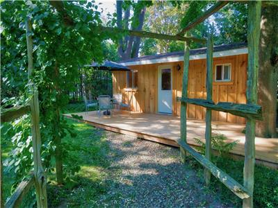 Oahu Cabin in central Bayfield: New and Inviting!