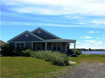 58 Beach House Comfort - close to Parlee Beach Provincial Park, Bouctouche Dunes