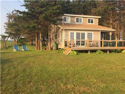 Red Shore Beach House (PEI License #2202819)