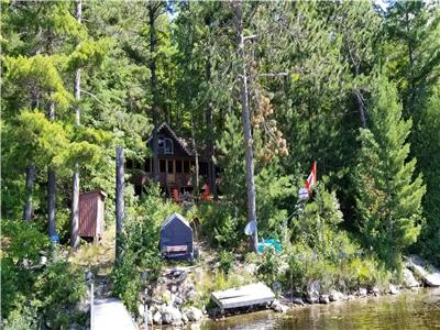 Waterfront, Mackie Lake, 5 bedrooms
