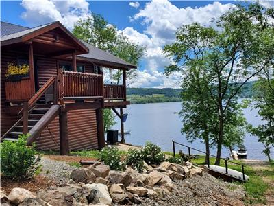 4 SEASON COTTAGE FOR  RENT ON THE BELLEISLE BAY-