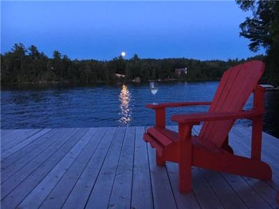 Welcome to Rockpoint! Situated on beautiful Lac MacGregor in Val-des-Monts, Quebec.