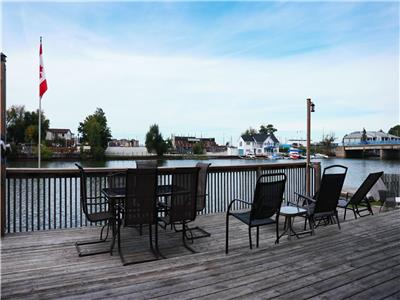 WASAGA RIVERFRONT GETAWAY- VIEWS VIEWS VIEWS