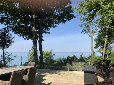PJ's Lake House, Water Front Cottage Bayfield, Goderich private beach, Beautiful Lake Huron Sunsets