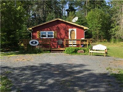 Homeport 'Crows Nest' - Nightly Rates - Minutes to Ferry Boat - Beach - Fire Pit -  A/C - BBQ