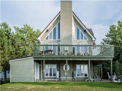 Executive Ocean Front House in Shediac