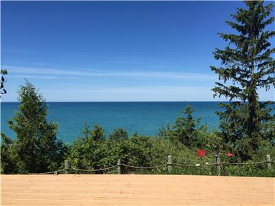 Bayfield waterfront cottage with Breathtaking Vistas