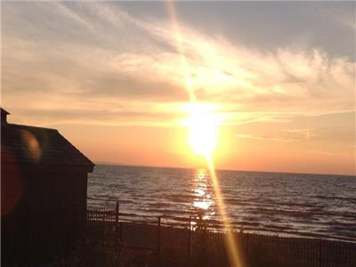 Wasaga Beach Waterfront Furnished 2 Bedroom, Utilities Included, Unlimited Internet