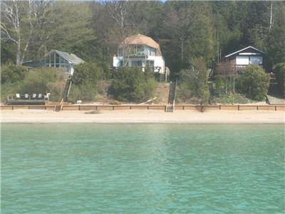 LAKEFRONT TRANQUILITY- BOOK NOW Labor Day Weekend and Enjoy the Solitude of September