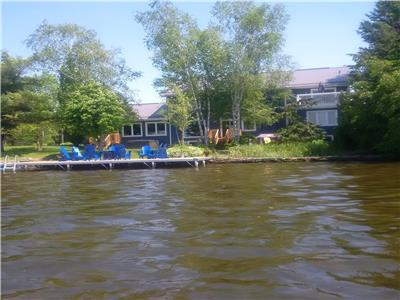 Executive year round lake house, 5000 sq ft, one hour NE of Markham, 150' sandy frontage