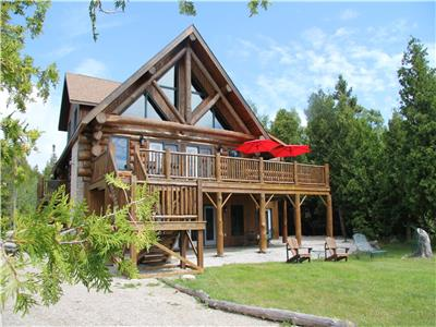 Golden Pines Cottage -Gorgeous Waterfront Family home located on the Bruce Peninsula. Sleeps 14.