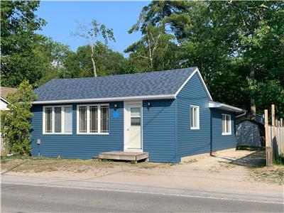 Relaxing Cottage only 5 min to the main Wasaga beach - 1 (with AC, Heat and Internet)