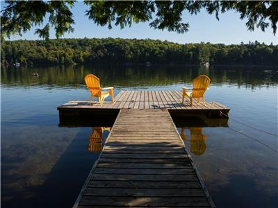 Charming chalet with waterfront 20 minutes from Ottawa, Canada