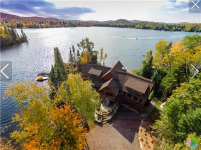 Stunning Laurentian Chalet w/Superb Architecture-Fabulous Views of Lac Ludger-Private Hot Tub