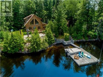 Private Log Cottage w/ Deep Water, Sandy Beach Walk In, & Beautiful Sunsets in Heart of Kawarthas