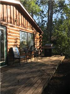 Waterfront Cabin on the banks of the Saskatchewan River.  World class fishing.