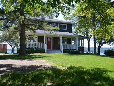 Prince Edward County waterfront: Newly renovated The Glenora House