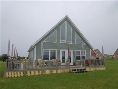Cavendish Driftwood Getaway - Minutes from Beach, PEI National Park, Nature Trails, Seafood, & Golf