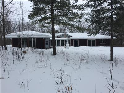 4 Season house on Big Rideau Lake, wheel chair accessible -