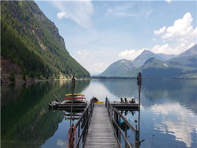 Pristine Waterfront Log home in peaceful Kaslo/Lardeau, BC with million dollar View with extra Lot