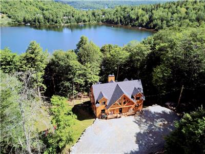 Wooden chalet #6 **6 bedrooms, lakefront**