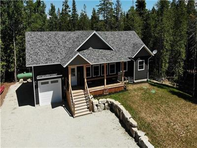 La Costa Serena - Brand new peaceful, private, cottage getaway just steps to beautiful Lake Huron!