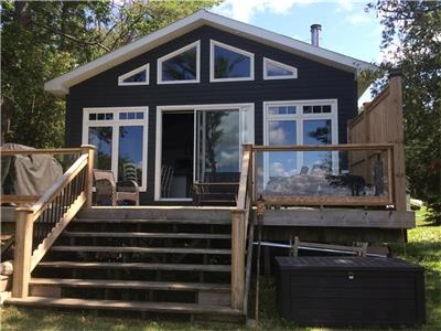 Washago, Near Orillia, Totally renovated 3 bedroom cottage on Lake Couchiching, Western exposure