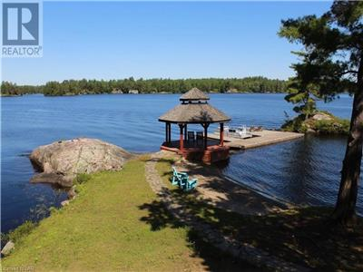 Camp Kahshe | Muskoka Luxury Beach Retreat (Brand New Complete Renovation)