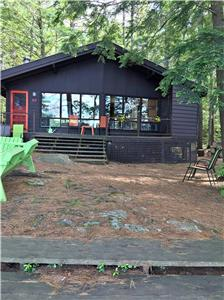 Lakefront Cottage - Val des Monts, Que. - 37Klms or 23 miles from Parliament Hill $1500. weekly