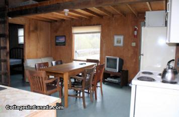 Quiet lake side cottage, boating, fishing, horseback riding ...