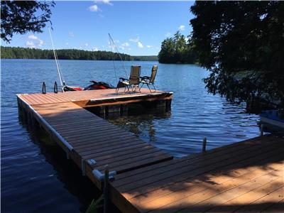 Cannon's Retreat on Mississagagon Lake *Mins to Bon Echo Park*