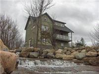 Shale Beach House-luxuriously vacation home on Georgian Bay, 5 min to Blue Mountain and ski resorts