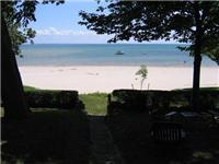 Weekly Lake Cottage Rental at Waverly Beach