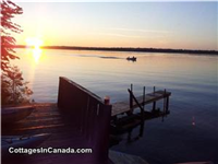 Only 30 min to Kanata - stunning waterfront  cottage  -  Crow's Nest