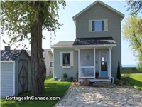 Private 2 Storey Lake House with beautiful views!