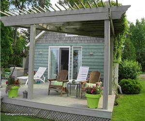 Erie Shore Hideaway... Gorgeous Nautical Gem with Seasonal Hot Tub!!
