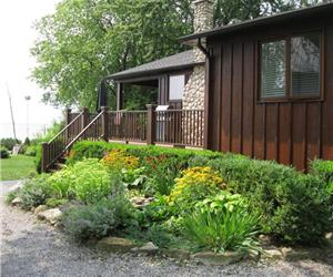 Paradise Lakefront Oasis - AVAILABLE Labour Day Week & September - Book Now...Won't Last!!