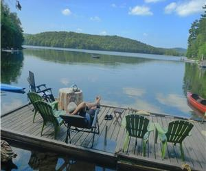 Hickory Wind  Lac St.Germain Large Family Cottage Denholm/Vals Des Monts 1 hour from Ottawa